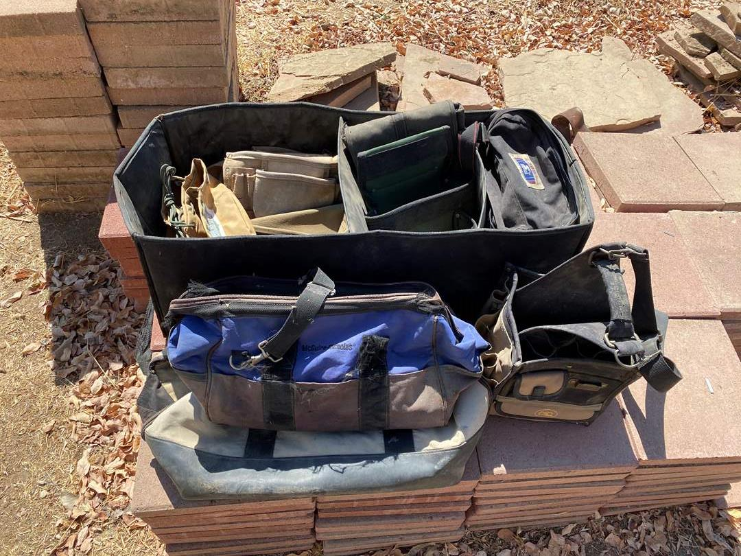 Lot # 373 - TOOL BAGS AND TOTES (main image)