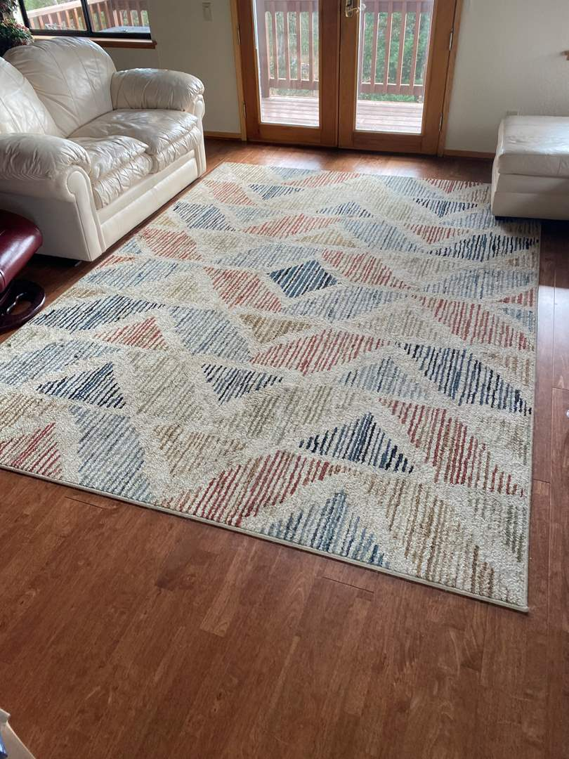 """Lot # 5 - RUG 120"""" X 89"""" IN GOOD CONDITION (main image)"""