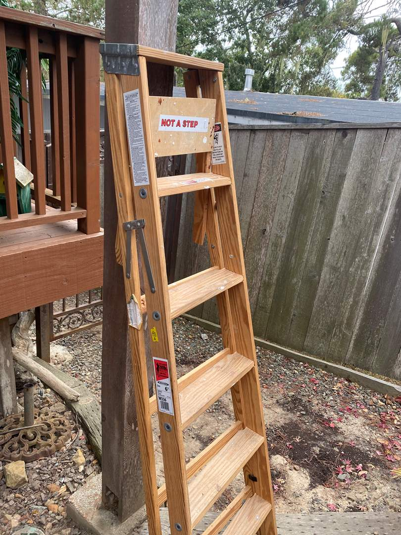 Lot # 43 - WERNER 6' WOOD LADDER (main image)