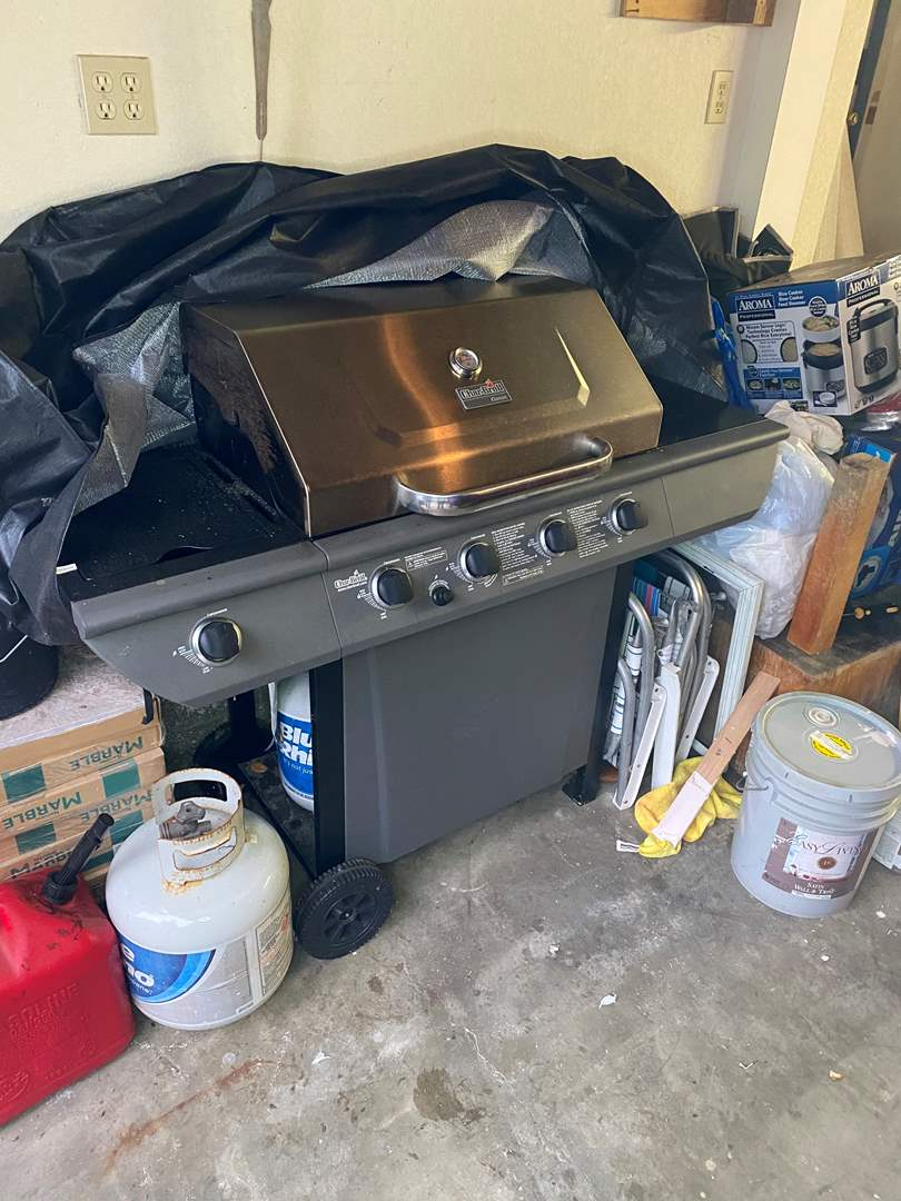 Lot # 87 - CHAR-BROIL GRILL WITH COVER (main image)
