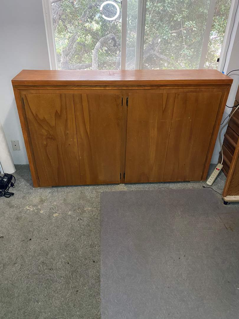 Lot # 3 - CABINET WITH CONTENTS (main image)