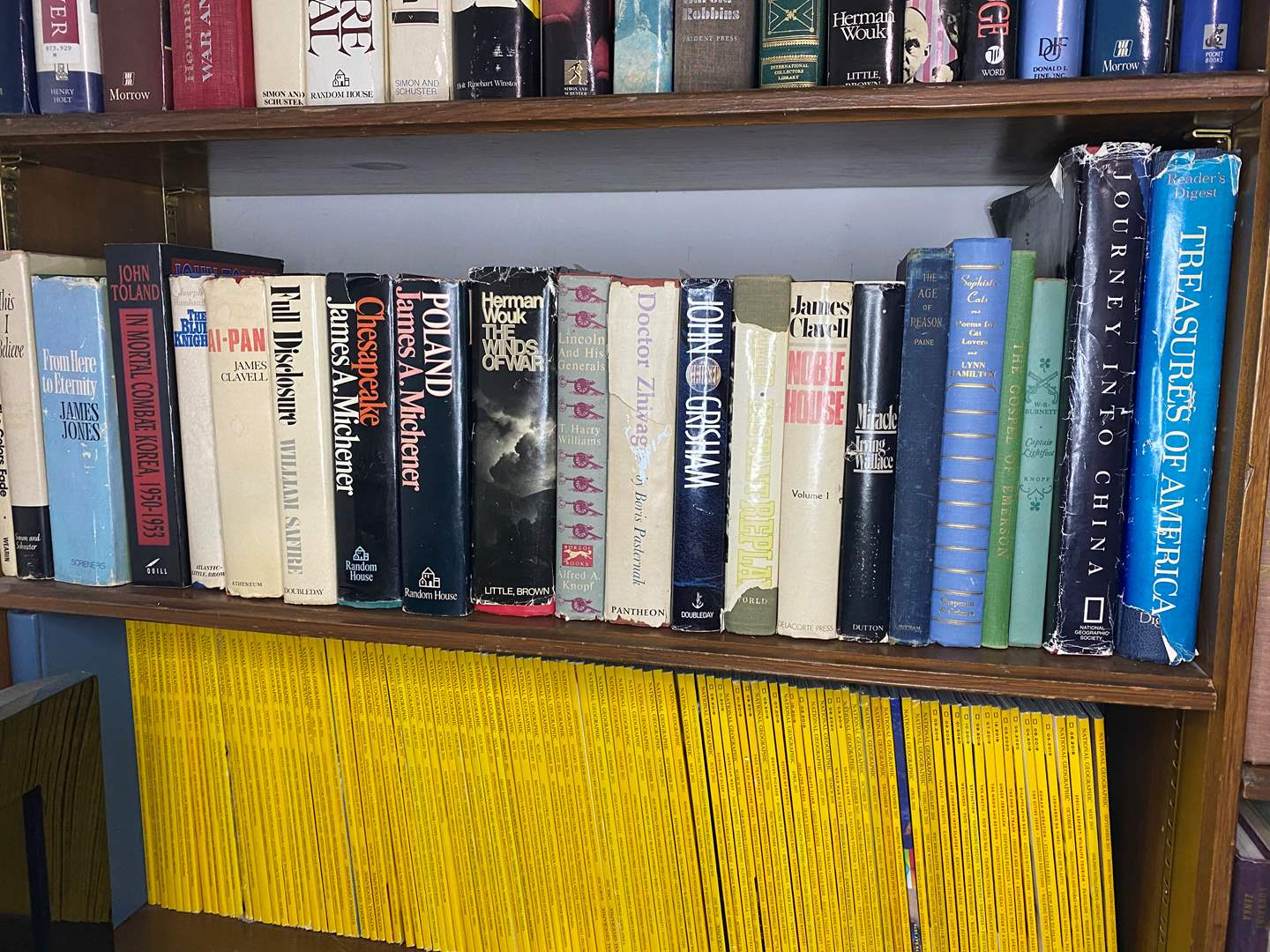 Lot # 15 - COLLECTION OF BOOKS (main image)