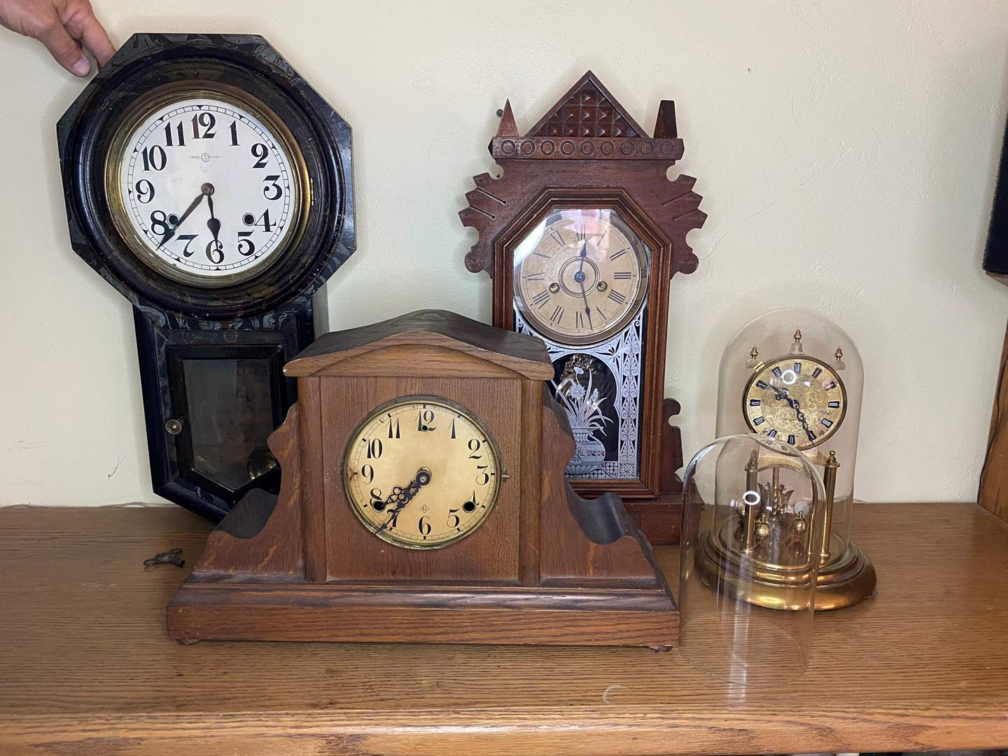 Lot # 36 - COLLECTION OF CLOCKS (main image)