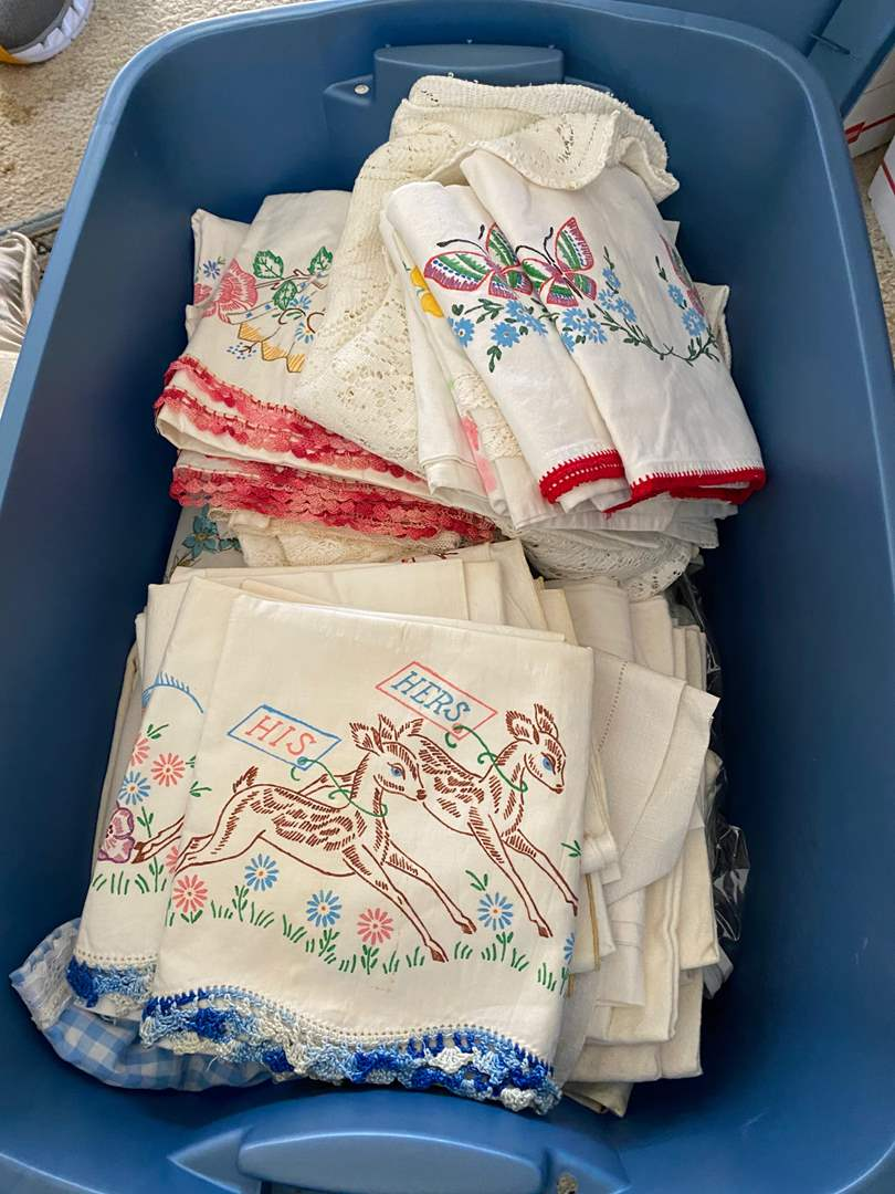 Lot # 112 - BOX FULL OF VINTAGE LINENS (main image)