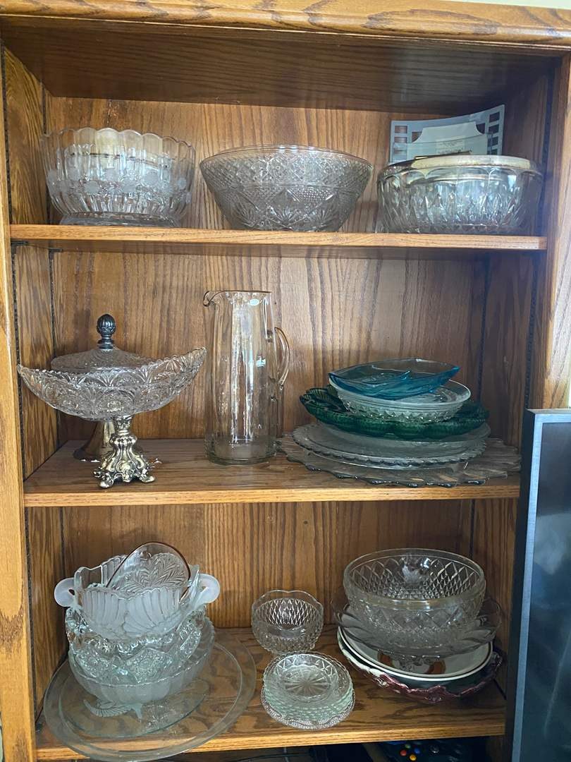 Lot # 263 - VINTAGE PRESSED CLASS ITEMS (main image)