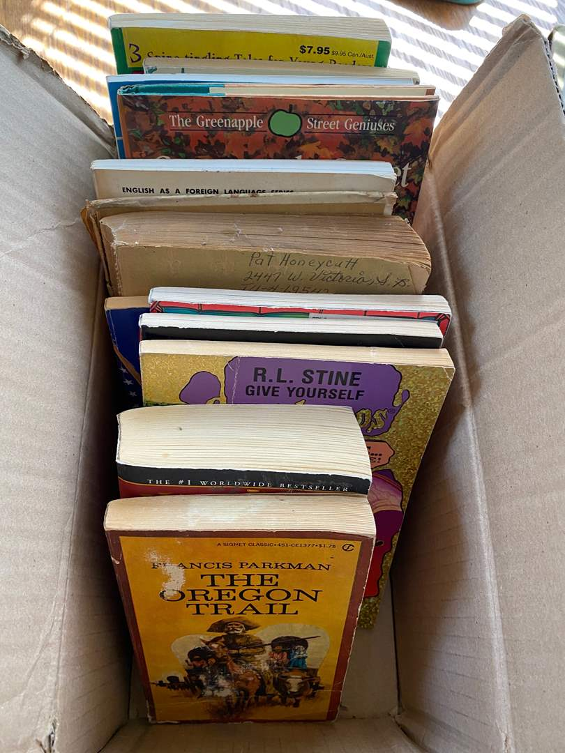 Lot # 272 - COLLECTION OF CHILDREN'S BOOKS (main image)