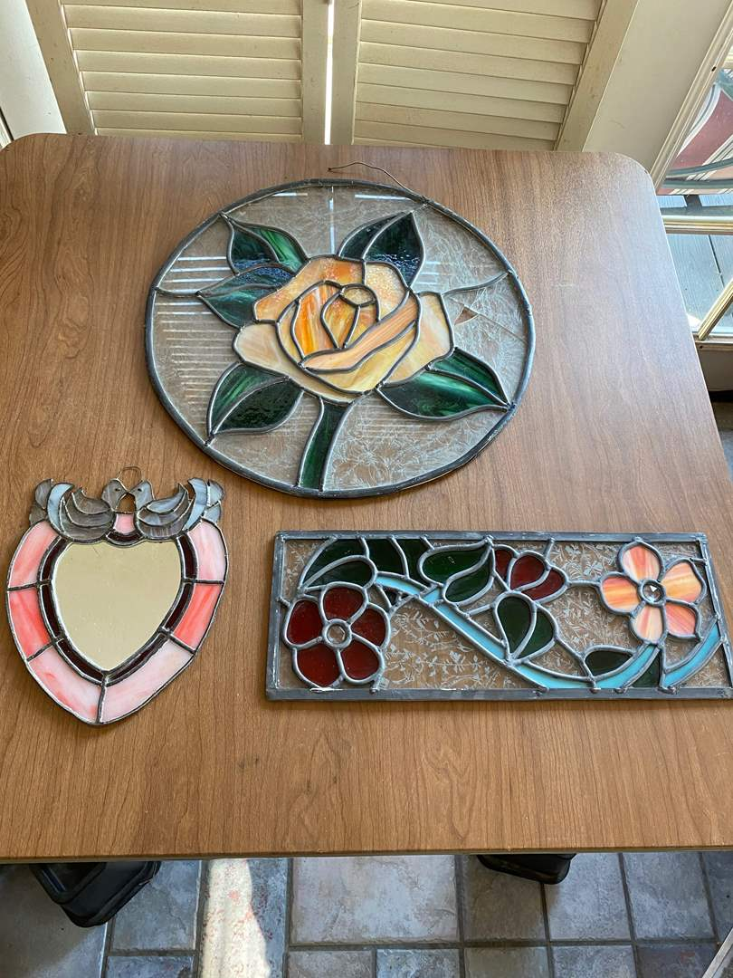 Lot # 286 - 3 PIECES OF STAINED GLASS (main image)