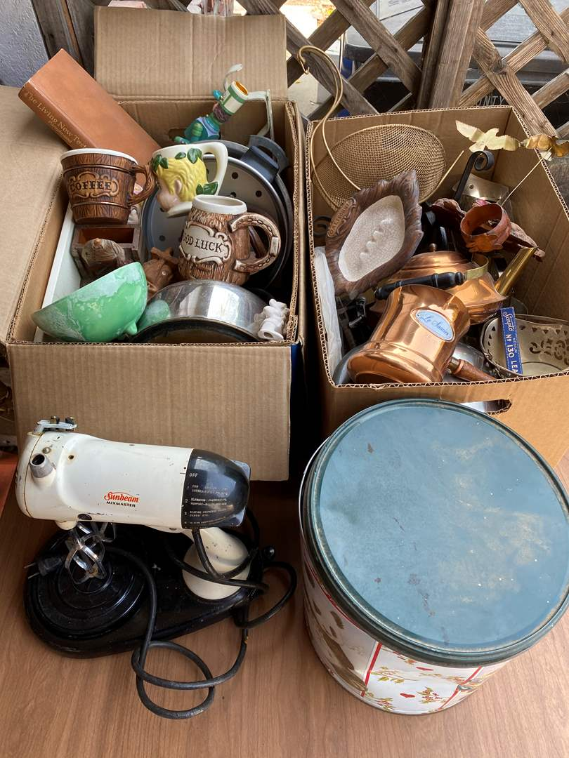 Lot # 312 - TWO BOXES OF VINTAGE GOODS (main image)
