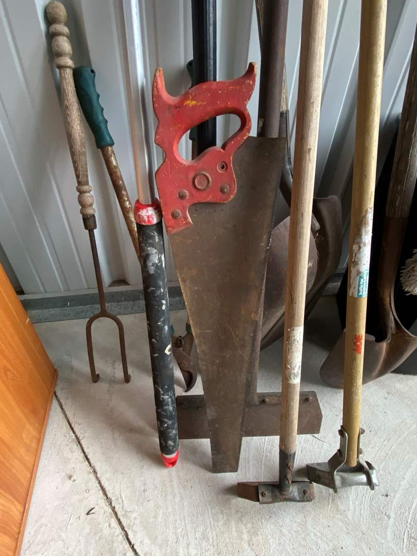Lot# 5- Yard Tools (main image)