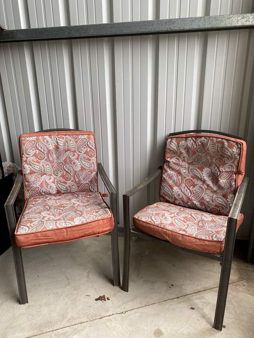 Lot# 6- Pair of Patio Chairs w/removable cushions (main image)