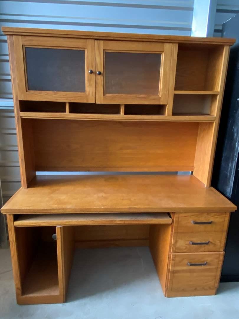 Lot# 34- Desk  (main image)