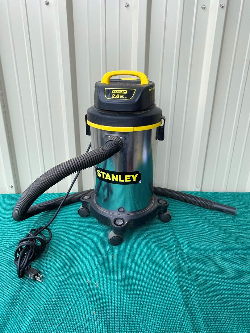 Lot# 36- Stanley 2.8 Vacuum (main image)