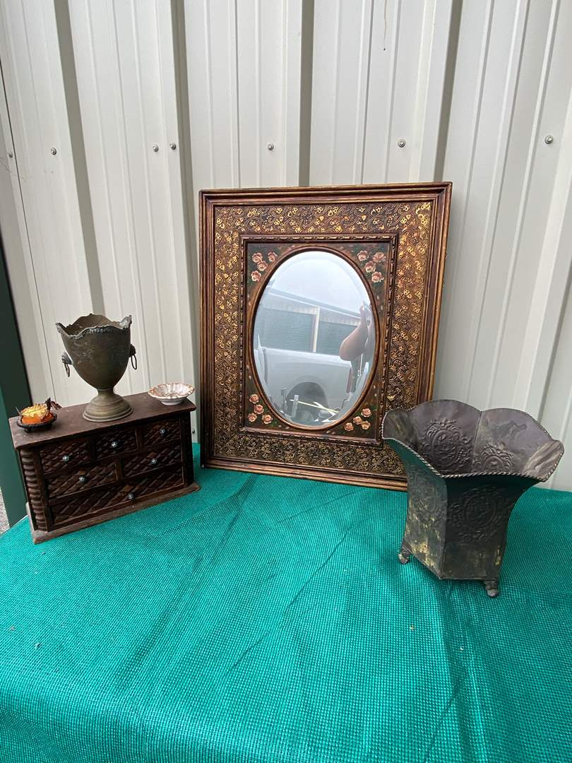 Lot# 47- Antique Oval Framed Mirror (main image)