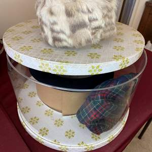 Lot # 75 - HAT BOX WITH 4 VINTAGE HATS