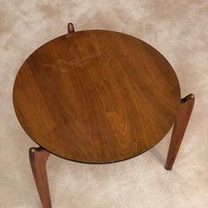 Auction Thumbnail for: Lot # 88  - MID CENTURY MODERN END TABLE