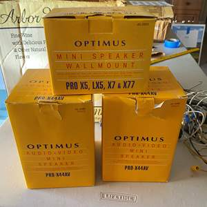 Lot # 117 - OPTIMIUS AUDIO VIDEO SPEAKERS AND WALL MOUNTS