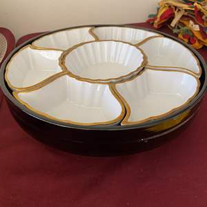 Lot # 121 - TOGO CHINA SERVING TRAY IN A WOODEN LAZY SUSAN MADE IN JAPAN