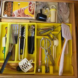 Auction Thumbnail for: Lot # 56 - UTENSIL DRAWER ITEMS