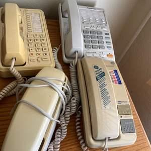 Lot # 122  - PHONES
