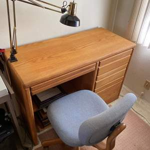 Lot # 125 - DESK, LAMP AND CHAIR