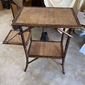 Lot # 70 - END TABLE