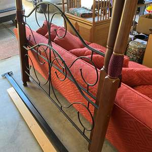 Lot # 84 - 4-POSTER WOOD & METAL MODERN BED WITH RAILS - QUEEN
