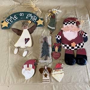 Lot # 126 - CHRISTMAS LOT 11