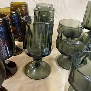 Lot # 140 - MID CENTURY GLASSWARE