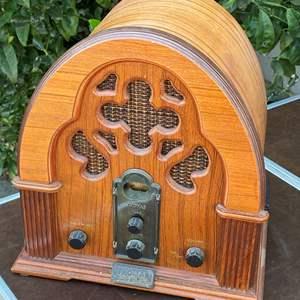 Lot # 101 - THOMAS COLLECTORS EDITION RADIO / CASSETTE  MODEL 217