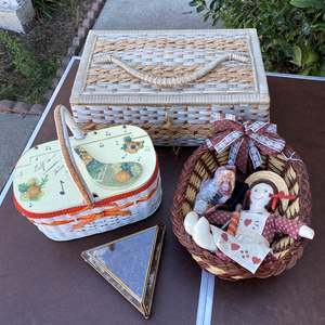 Lot # 97 - SEWING BOXES