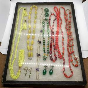 Lot # 131 - VINTAGE JEWELRY IN GLASS-TOP DISPLAY CASE