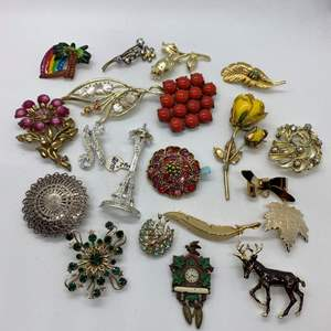 Lot # 31  -  20  VINTAGE BROOCHES & PINS