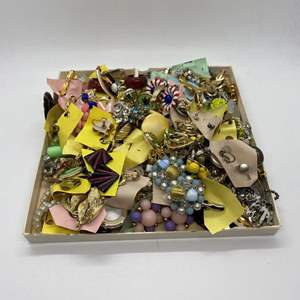 Lot # 39 - LARGE LOT OF VINTAGE CLIP ON EARRING PAIRS