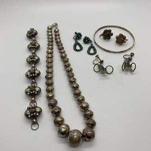 Lot # 68 - STERLING SILVER (33.9g) & TURQUOISE JEWELRY (37.6g total weight)