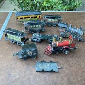 Lot # 158 - ANTIQUE WIND UP METAL TRAINS FROM GERMANY