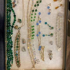 Lot # 165 - VINTAGE JEWELRY IN GLASS-TOP DISPLAY CASE
