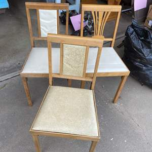 Lot # 223 - VINTAGE FOLDING CHAIRS