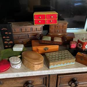 Lot # 249 - COLLECTION OF JEWELRY BOXES - SOME WITH JEWELRY