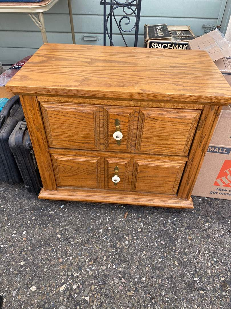 Lot # 12 - TABLE W/DRAWERS (main image)