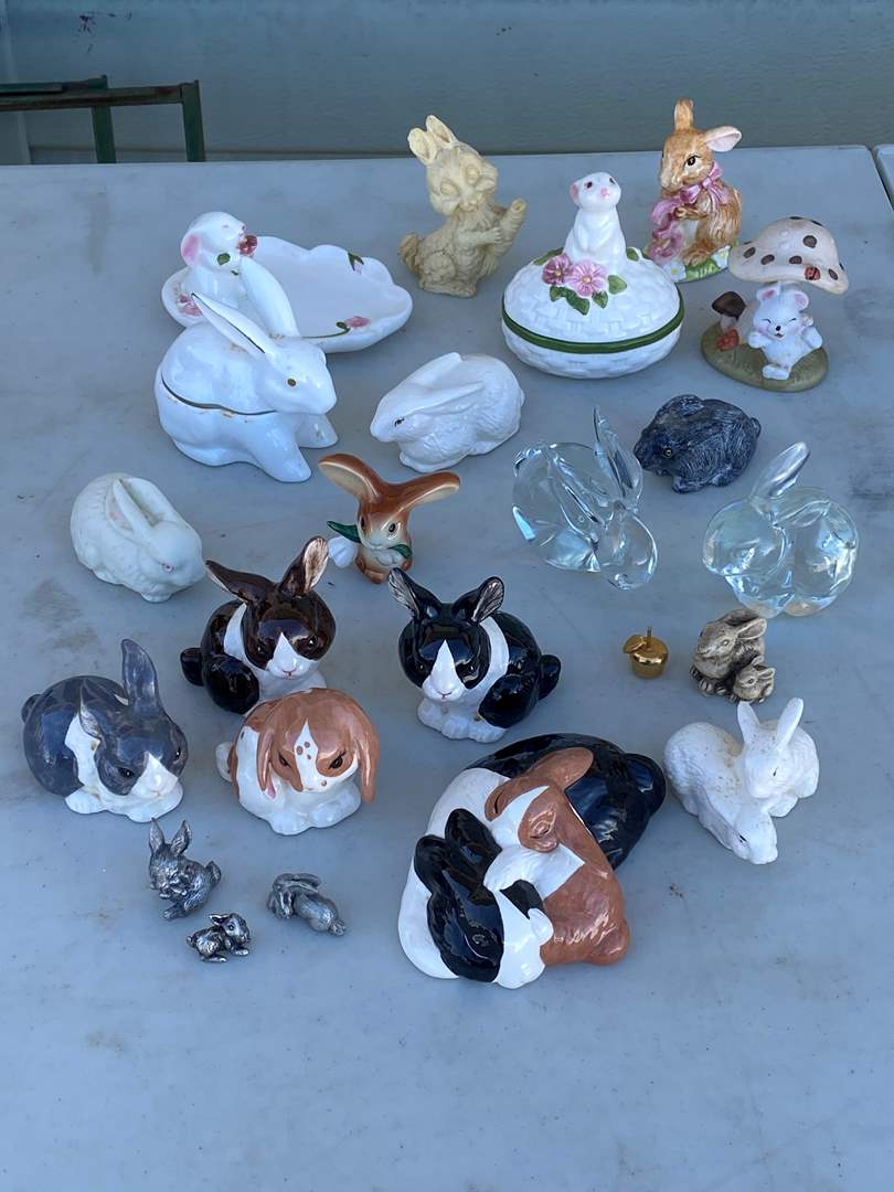 Lot # 50 - COLLECTION OF BUNNIES (main image)