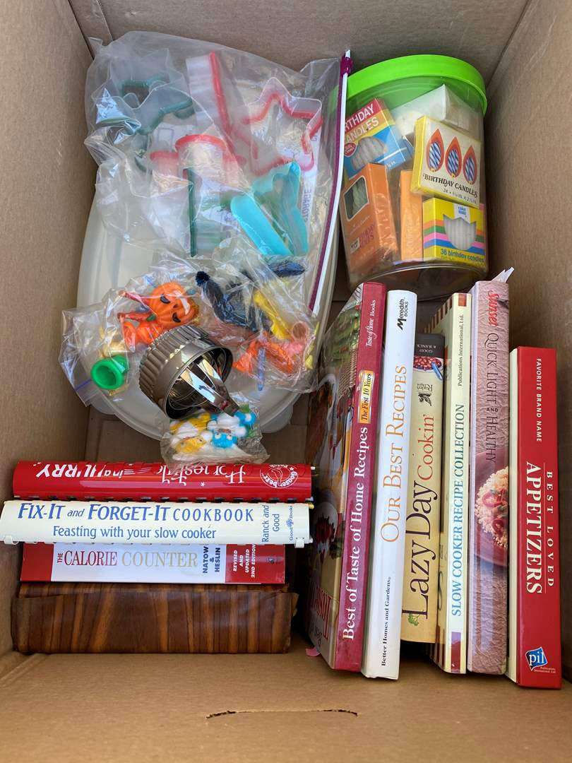 Lot # 54 - BAKING GOODS - LARGE BOX (main image)