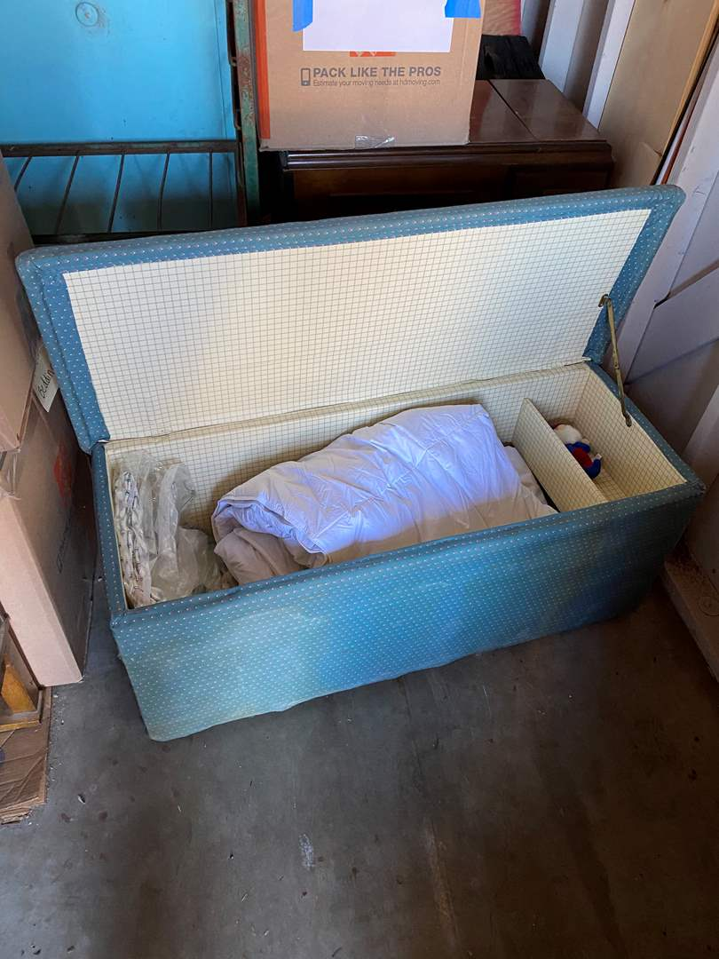 Lot # 69 - STORAGE CHEST WITH LINENS (main image)