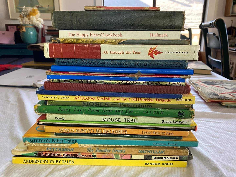 Lot # 96 - LARGE BOX OF VINTAGE CHILDREN'S BOOKS (main image)