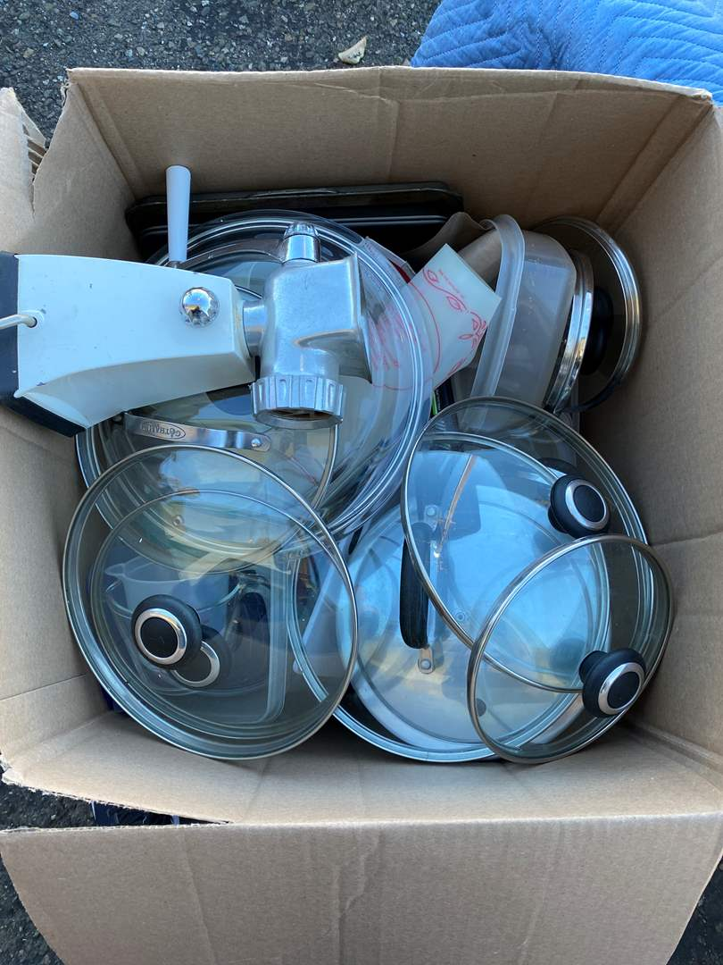 Lot # 128 Tote Full of Kitchen Pans and Cooking Supplies (main image)