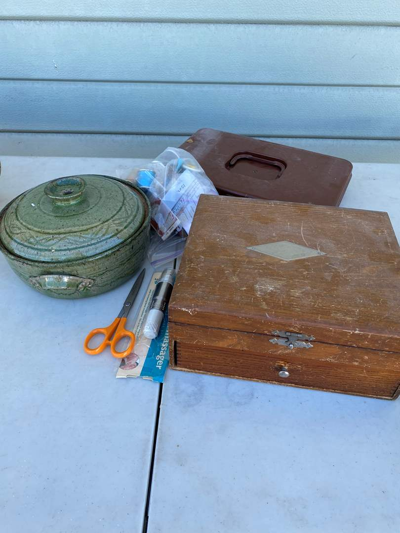 Lot # 131 - Sewing and Craft Supplies (main image)