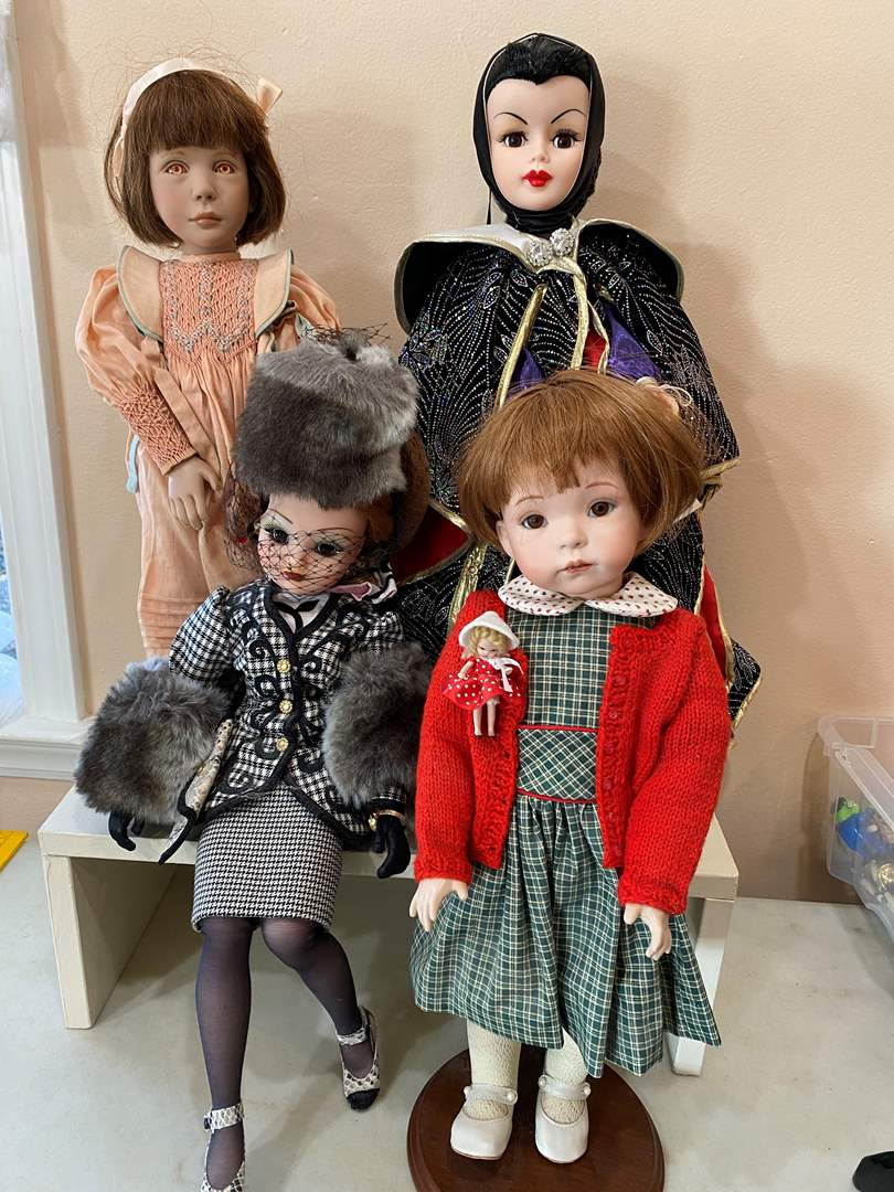 Lot # 113  - Collection of Dolls (main image)