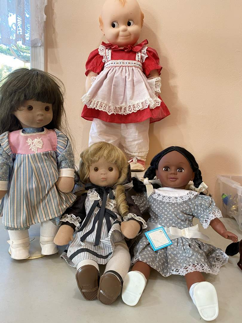 Lot # 114  - Collection of Dolls (main image)