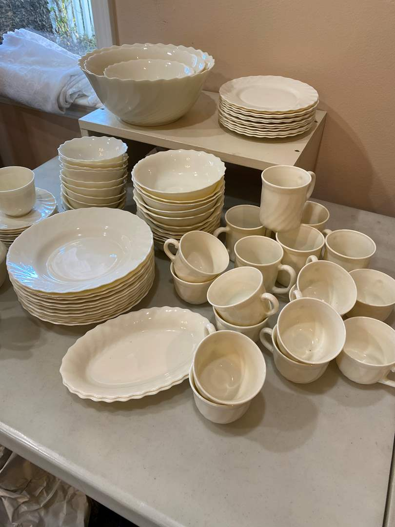 Lot # 134 - Beautiful Vintage Arcopal Dish Set - Milk Glass - Made in France (main image)