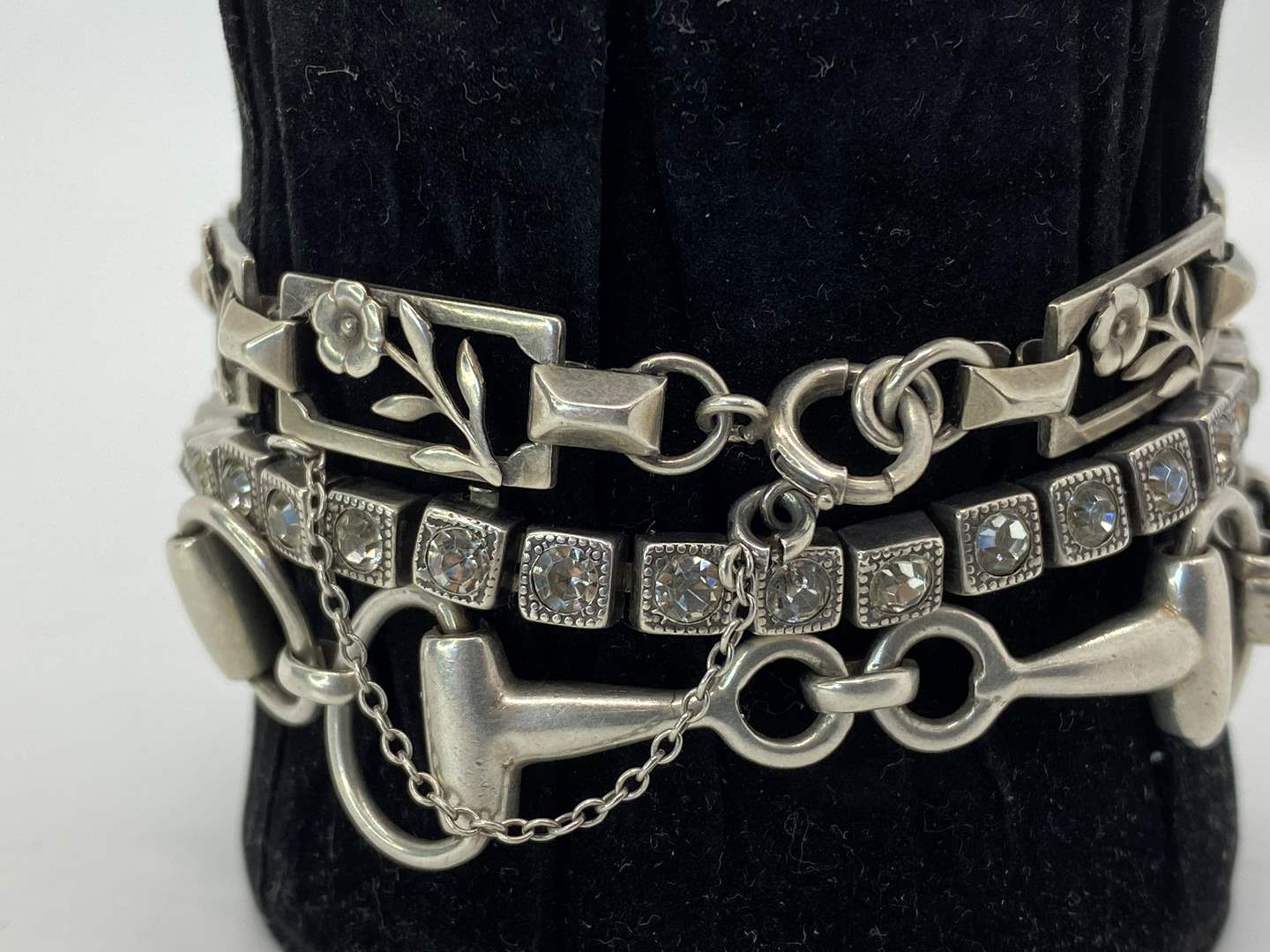 Lot # 6 - Beautiful Sterling Silver Bracelets (42.8g total weight) (main image)