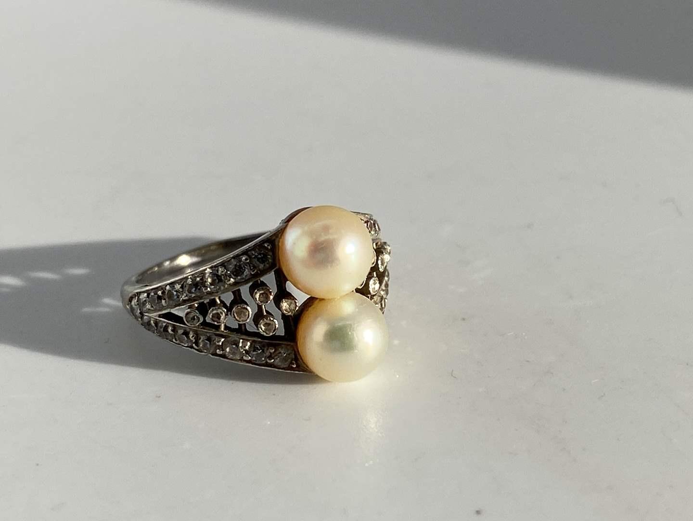 Lot # 17  -  Antique 18k Gold Pearl & Diamonds Ring (main image)